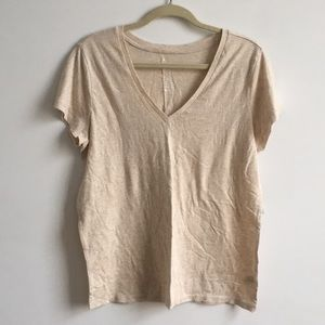 NWT GAP V Neck Tee